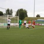 Erwin Neuvel maakt binnen 10 minuten al de tweede goal voor Strandvogels. De Vogels wonnen het duel tegen DWB in het seizoen 2016-2017 uiteindelijk met 4-0.